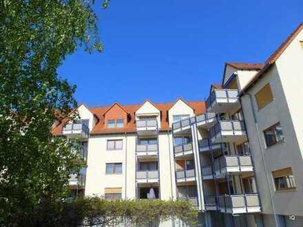 Weinböhla * Guter Schnitt * 3-Zimmer-Wohnung im 1.OG mit Balkon, separate Küche * PKW-Stellplatz
