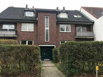 Ansprechende 3-Zimmer-Wohnung mit EBK und Balkonterrasse in Osdorf, Hamburg