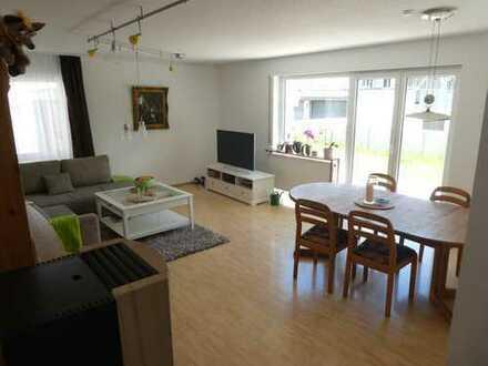 Sonnige 4-Zimmer-EG-Wohnung mit Terrasse und Einbauküche in Weil im Schönbuch