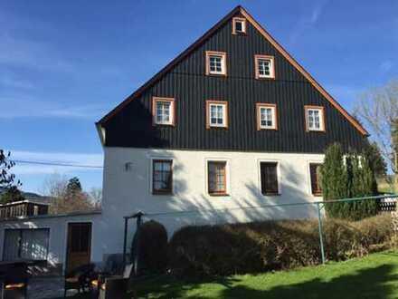 Königswalde: ruhig gelegene 5 Zimmer Wohnung in schickem Altbau - Tageslichtbad mit Eckbadewanne