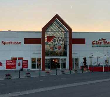 Anschauen lohnt sich: 108,50 m² im Eingang des Spitzkrug Multi Centers - Kunden parken umsonst!
