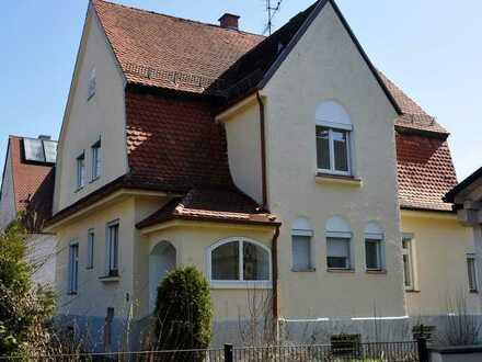 Familienvilla von 1912 mit viel Charme
