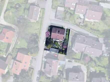 Geräumiges Haus auf einem schönen Eckgrundstück zu verkaufen