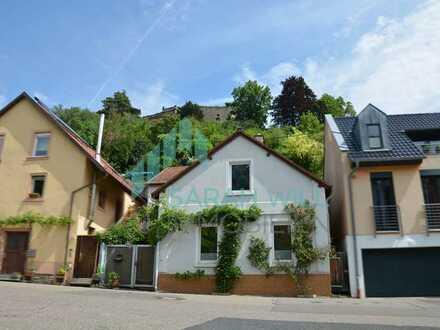 Romantisches Einfamilienhaus mit Ausbaupotenzial - unterhalb des Haardter Schloss