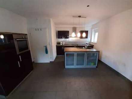 Gepflegte 2-Zimmer-EG-Wohnung mit Balkon und Einbauküche in Straubenhard/Conweiler