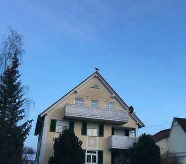 Vollständig renovierte 3-Zimmer-DG-Wohnung mit Balkon in Langenenslingen