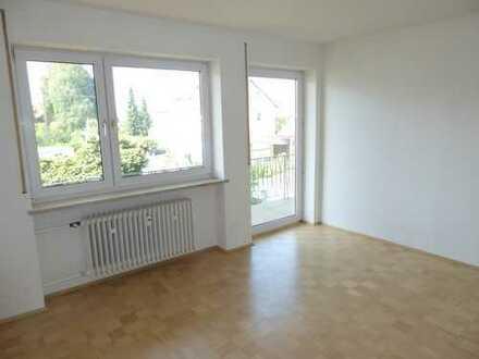 Helle 4 ZKB Wohnung mit Balkon!