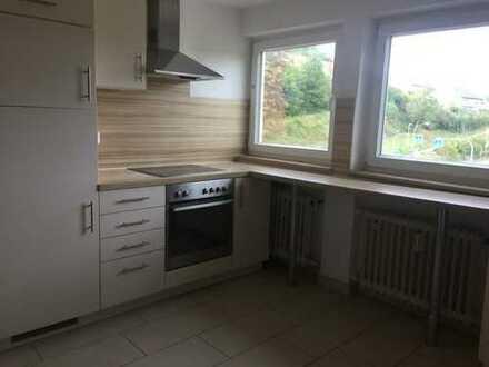 2-Zimmer-DG-Wohnung, teilmöbliert mit Einbauküche in Aidlingen - ideal für Pendler