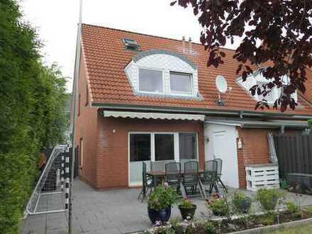 Attraktives Endreihenhaus mit Süd- West Terrasse und großem Grundstück in beliebter Ortslage
