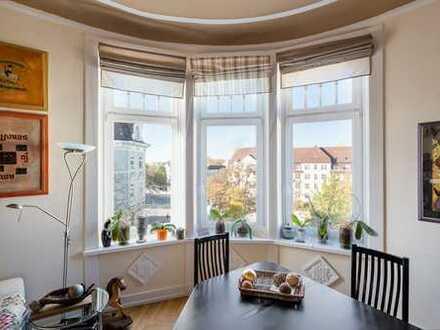 Jungendstil in Eppendorf · Ein Zuhause im 4. Stock · Bequem mit dem Lift zu erreichen ...