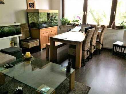 Neustadt! Zentral gelegene, ruhige 2 Zimmer-Eigentumswohnung mit Balkon!