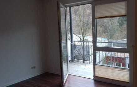 Neuwertiges, barrierefreies 2-Zimmer-Apartment mit Balkon im Salinental