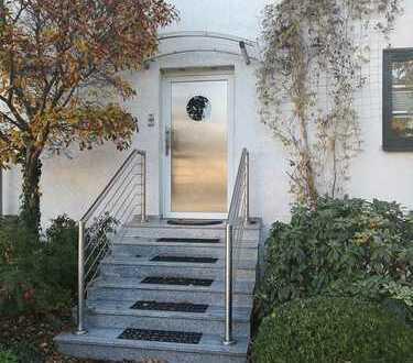 Voll-Möbliert DG-Wohnung mit großer Terrasse