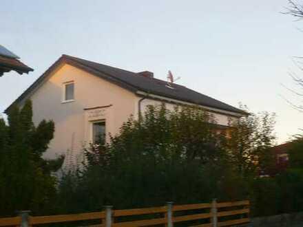 Stilvolle 3-Zimmer-Erdgeschosswohnung mit Terrasse und Garten in Rosenheim