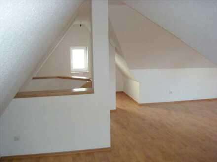 Moderne Doppelhaushälfte mit sieben Zimmern in Zollernalbkreis, Rangendingen