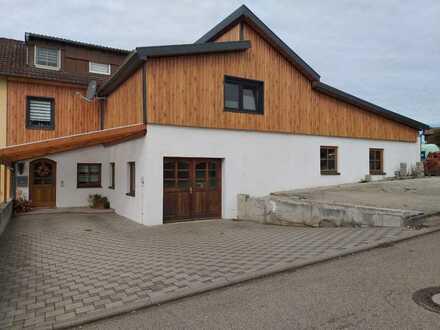 Schöne und sanierte 6-Zimmer-Doppelhaushälfte in Kirchheim am Ries, OT Benzenzimmern