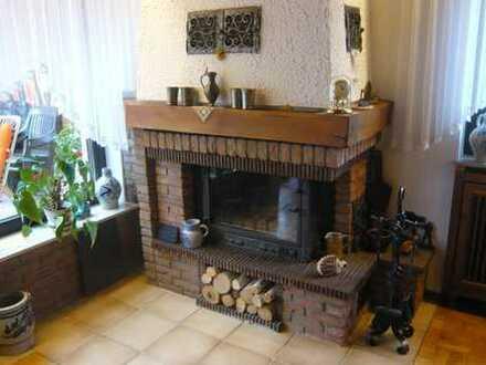 Freistehendes 1-2 FH in ruhiger Wohnlage mit: Garage, Kamin, Garten, Balkon, Terrasse, 2 Bäder uvm.