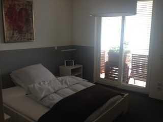 Sonniges Zimmer, Citynah