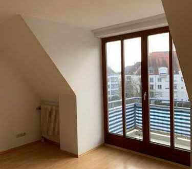 Traumhafte helle DG-Maisonette-Wohnung mit Südbalkon und TG-Platz im Univiertel