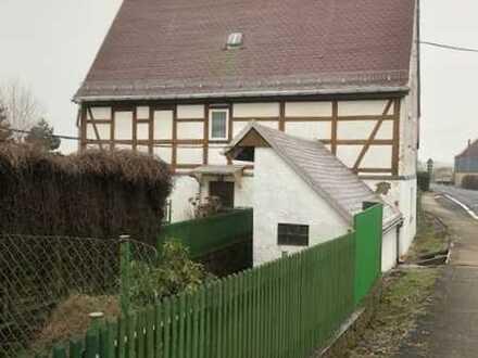 Historisches EFH aus der Jahrhundertwende mit Nebengelassen und Garten