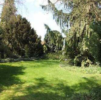 N-Langwasser: Traumhaft schöner Garten m. REH u. Garage su. neue Eigentümer