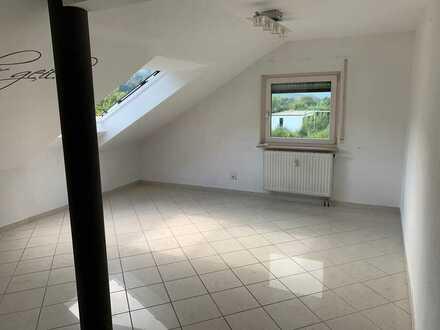 3-Zimmer-Dachgeschosswohnung mit Einbauküche in Albstadt-Ebingen