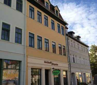 Sehr schöne 3-Raum-Wohnung mit Pkw-Stellplatz am Apoldaer Markt