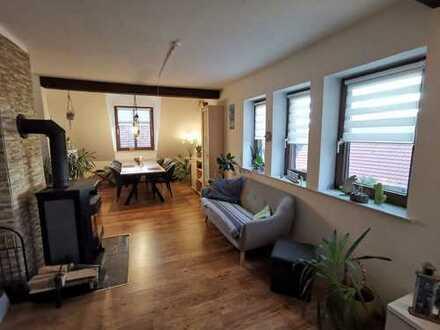 Günstige, sanierte 4-Zimmer-Maisonette-Wohnung mit EBK in Zierenberg