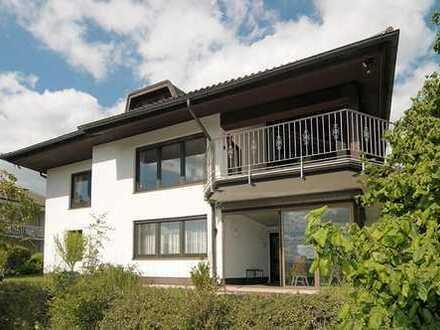 Charmante, attraktive und äußerst gepflegte Unternehmervilla in naturnaher Bestlage von Coburg