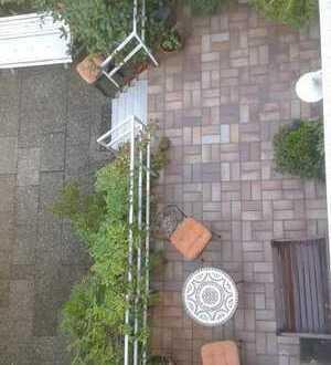 Schönes Haus mit großem Garten und sechs Zimmern in Köln Weiden