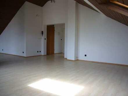 Dachgeschoß - Atelierwohnung