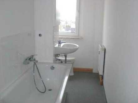 Preiswerte, gepflegte 3-Zimmer-Wohnung mit Balkon in Lengenfeld