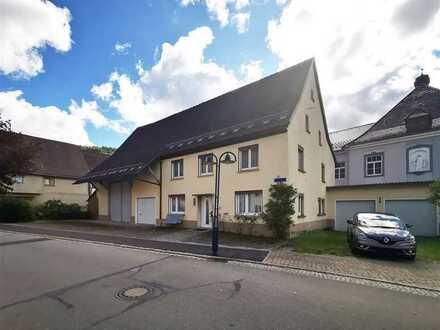 F&D   Einfamilienhaus mit ehemaligem Ökonomieanteil & Scheune