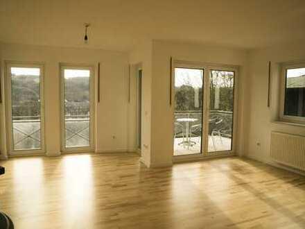 Schöne drei Zimmer Wohnung in bester Lage mit toller Aussicht