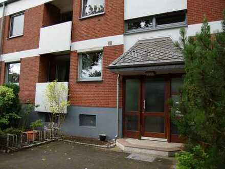 Kleinod in Osterholz, 3 Zimmer (4 Zimmer möglich), Keller- und Bodenraum, Pkw-Stellplatz und Garten