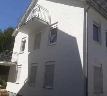 Schönes, geräumiges Haus mit fünf Zimmern in Esslingen (Kreis), Filderstadt, Neuwertig