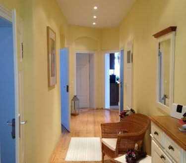 Liebevoll sanierte 4-Raum-Wohnung mit Balkon und Kamin
