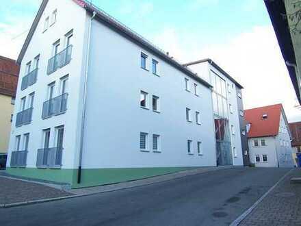 Neuwertige 3,5-Zimmer-EG-Wohnung mit Balkon in Schömberg