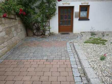 1-Zimmer-Wohnung mit Stellplatz und Einbauküche in Bempflingen-Kleinbettlingen