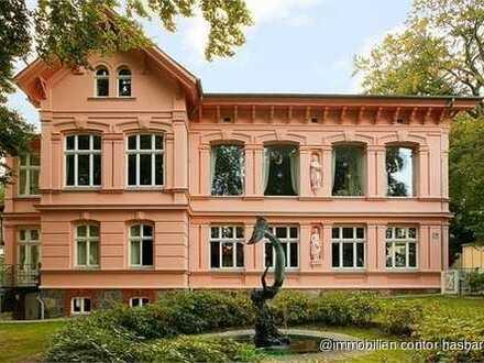 Wohnen in der berühmten Villa Doctores mit dem Glockenspiel!