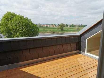 +++ Wunderschöne 5-Zimmerwohnung mit Dachterrasse nahe Pillnitz +++