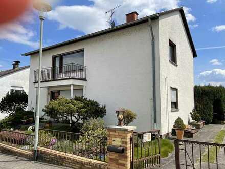 Gepflegte Wohnung mit 2,5 Zimmern und Balkon in Schöneck