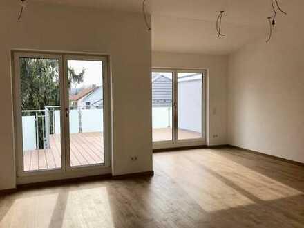 Erstbezug mit EBK und Balkon: freundliche 2-Zimmer-Penthouse-Wohnung in Neuburg a. d. Donau