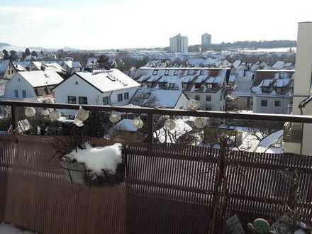 Gepflegte 4-Raum-Dachgeschosswohnung mit Balkon und Einbauküche in fellbach-oeffingen