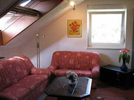 Möbliertes Zimmer in ruhiger Wohnlage
