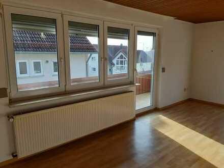 Helle 3-Zimmer-Wohnung mit Balkon und Einbauküche in AA-Fachsenfeld