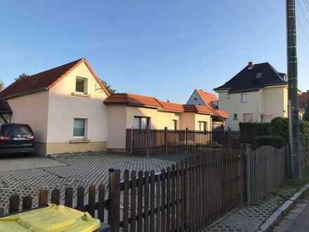 großzügige 3-Raumwohnung mit Einbauküche und Terrasse in Mölkau