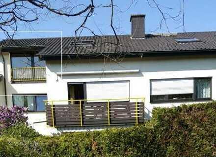 Sehr schöne zwei Zimmer Dachgeschoss-Wohnung in Pforzheim, Südoststadt