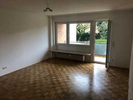 Ruhige 2-Zimmer-Hochparterre-Wohnung mit Balkon und EBK in Frankfurt-Eschersheim