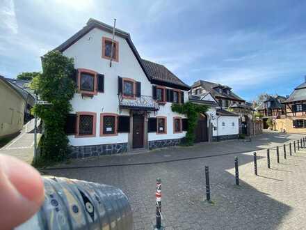 Wohnen und Arbeiten in wunderschöner denkmalgeschützter Hofanlage in Köln-Zündorf (An der Groov)